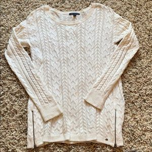 Off white American Eagle sweater